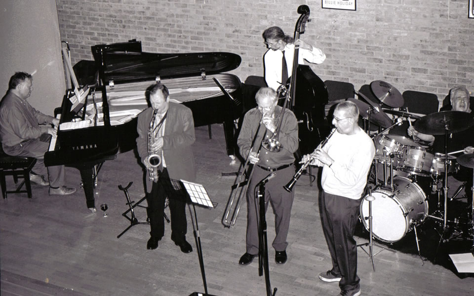 Alvin with the Mainstream All Stars in concert at the Jacqueline Du Pre theatre